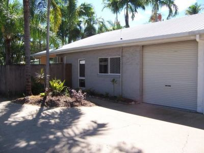 Semi Detached for rent in Cairns & District Trinity Beach