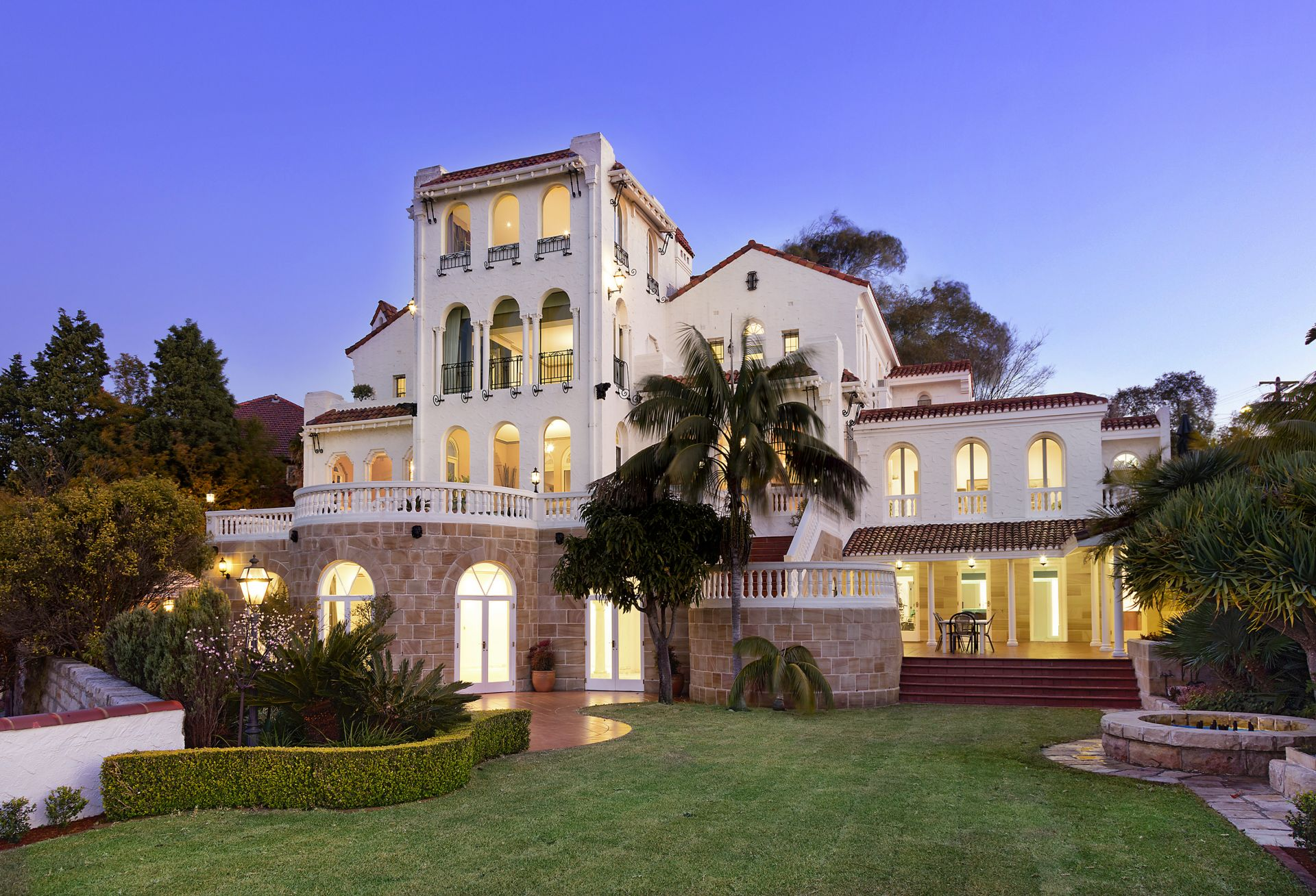 39 alcooringa 39 the glamour of old hollywood with panoramic for Luxury house