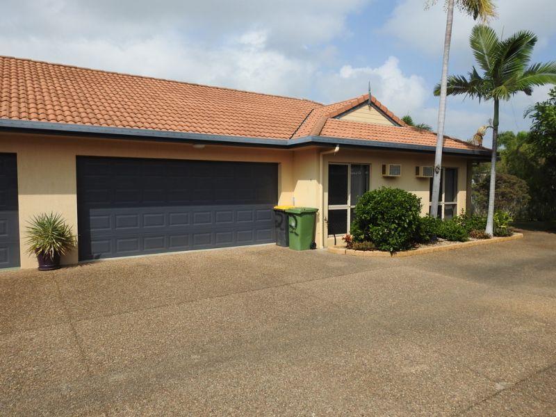2/122 Robertson Street, Railway Estate, QLD
