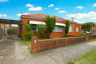 AUCTION THIS STAURDAY AT 12 30 ! First Homebuyer Delight