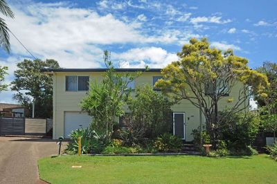 Huge Home High on a Hill with Pool, Beach Side of Nicklin Way! - UNDER CONTRACT