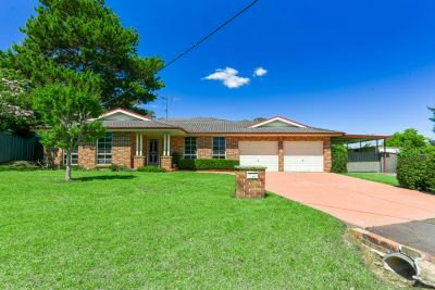 Appealing Family Home on 937m2