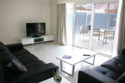 ROOMING ACCOMMODATION with Ensuite and Garage space