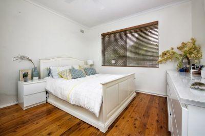 2 Bedroom Unit in Convenient Location