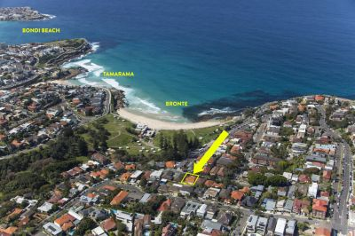 Substantial Surfside Beach-home offers Expansive Views, Approx. 750sqm Sundrenched Land, 18m frontage + Enormous Potential to Capitalise