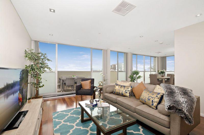 Massive 233sqm Luxurious Penthouse