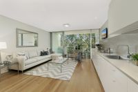 Idyllic Parkside Living In Spacious Modern 2-Level Apartment With Vast Wraparound Terraces & Leafy Views
