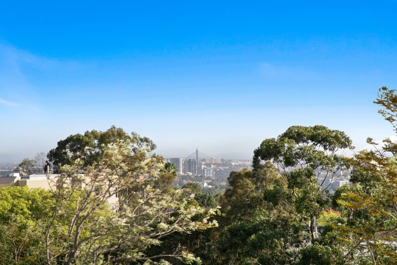 54/236 Pacific Highway, Crows Nest