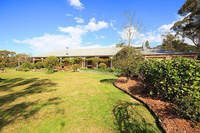 prime dural location with picturesque 5 bedroom home on 5 lovely acres -  suit horses/lifestyle.