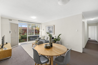 Updated Lifestyle Apartment In Superb Locale