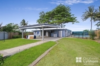 26 Reef Street Saunders Beach, Qld