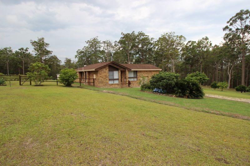 Country Lifestyle Acres on Sealed Road Mid North Coast Near Port Macquarie