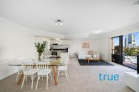 = HOLDING DEPOSIT RECEIVED = SUN DRENCHED AND SPACIOUS APARTMENT