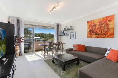 DEPOSIT TAKEN Large, Bright and Modern in Fantastic Location.