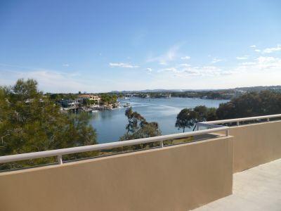 Furnished Riverside Apartment in heart of Mooloolaba! (PLEYSTOWE)