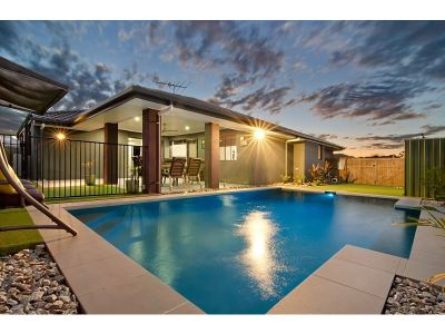 Stylish Contemporary Home + Low maintenance + Perfect Location!