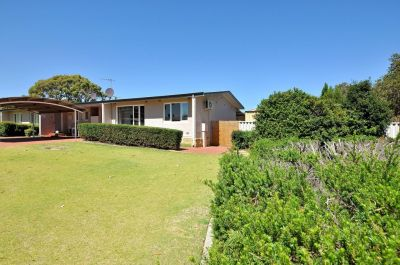 **UNDER OFFER**. BEST VALUE IN GIRRAWHEEN!