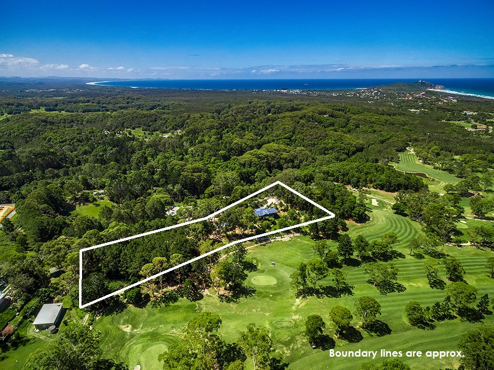 Rare Acreage Of Space, Privacy and Versatility In Byron Bay