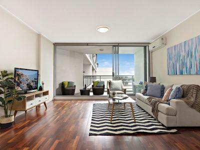 Designer one bedroom retreat with urban views