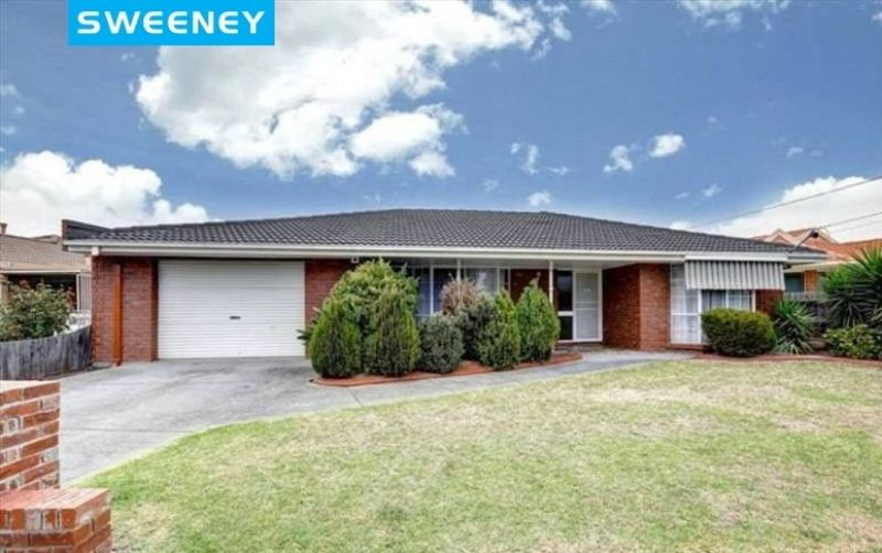 Large 4 bedroom family entertainer that has it all!