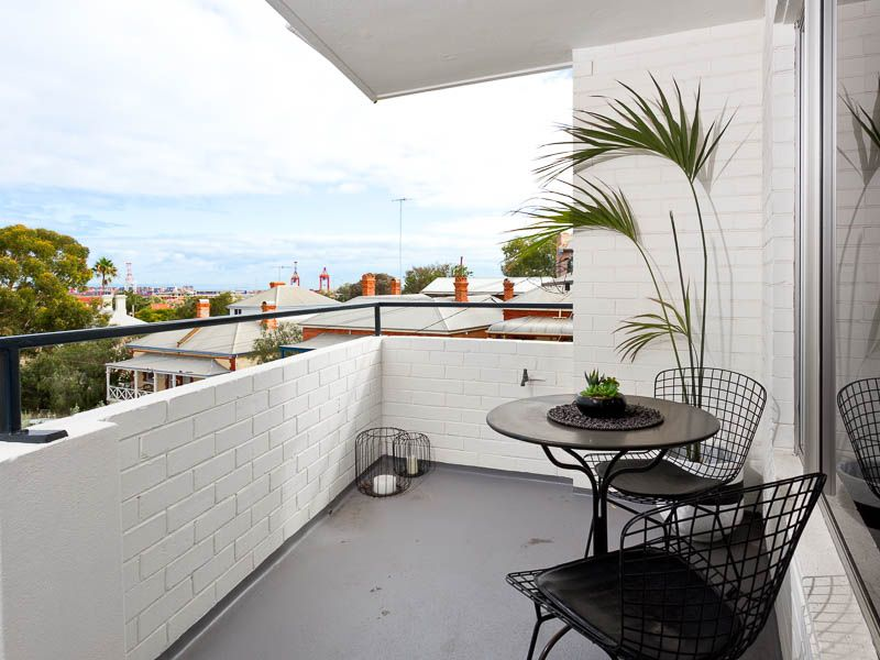 22/5 Knutsford Street, Fremantle