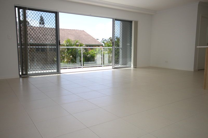 PERFECTLY POSITIONED AS NEW 2 BED UNIT AVAIL IN APRIL