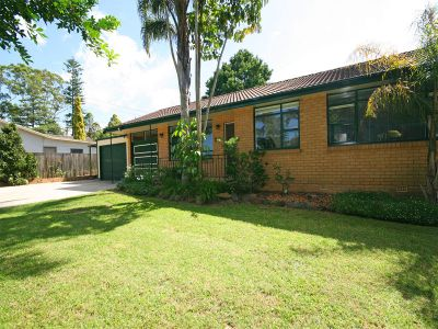 calling all tradesmen/mechanics/home business operators, 3 bedroom home with large independent workshop plus additional garaging to accommodate 4 cars