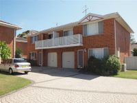 2/7 Reef Close Fingal Bay, Nsw
