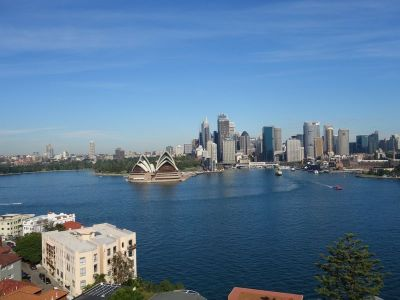 PANORAMIC SYDNEY HARBOUR AND DYNAMIC OPERA HOUSE VIEWS!