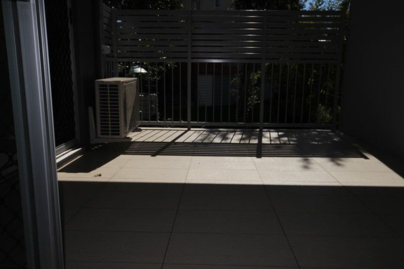 WITHIN BRISBANE STATE SCHOOL CATCHMENT - WITH ONE WEEKS FREE RENT*