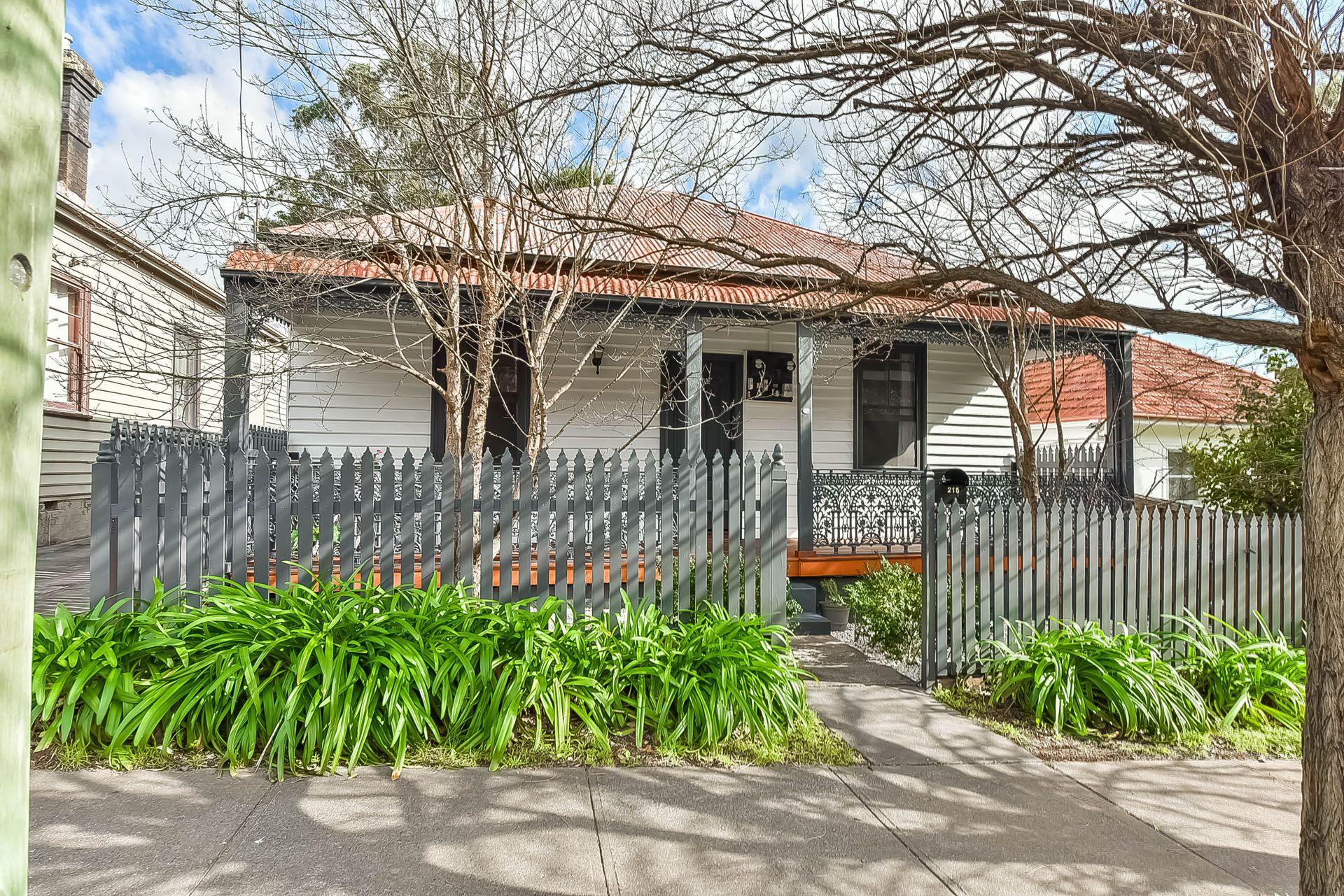 215 Menangle Street, Picton