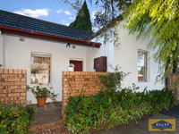 Beautifully Presented 3 bedroom Home - Character & Charm