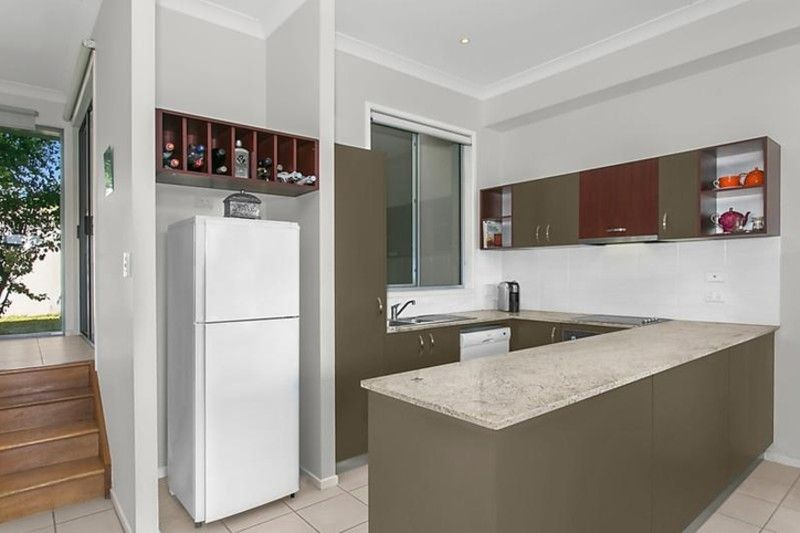Boutique townhouse with excellent proximity to the city