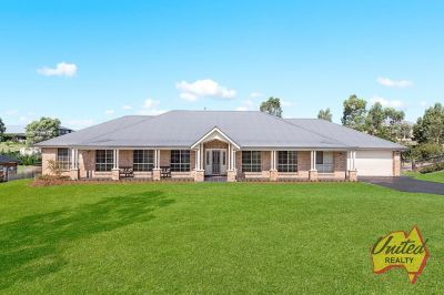 Contemporary Entertainer on Approx. 2934 Sq.m!
