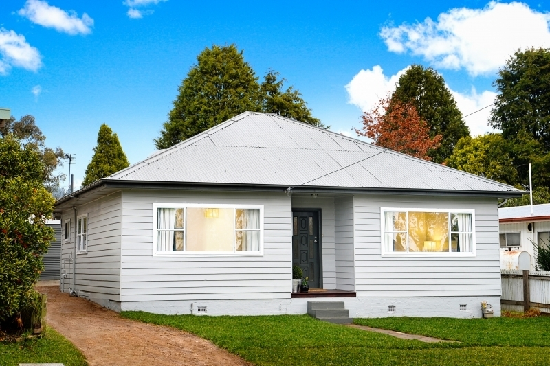 Charming Weatherboard Cottage