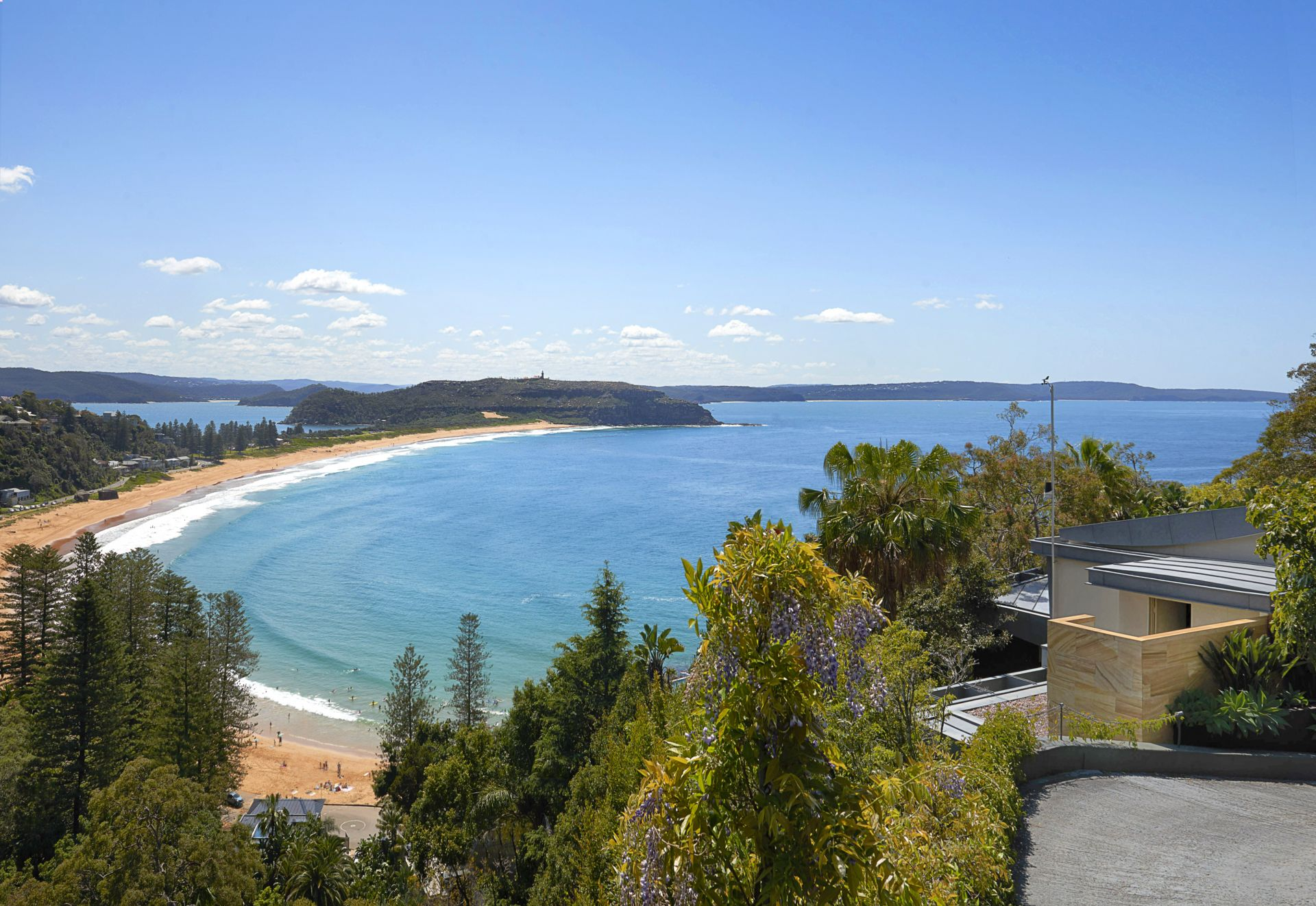 Maison unifamiliale pour l Vente à Classic '60's beach house, incredible northerly views 6 Mitchell Road Palm Beach, New South Wales,2108 Australie