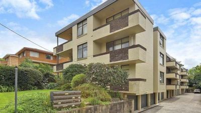 8/15 Edgeworth David Avenue, Hornsby