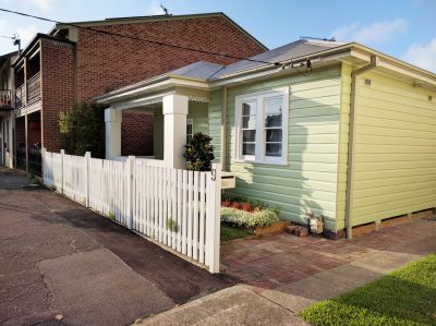 9 Parry Street, Cooks Hill