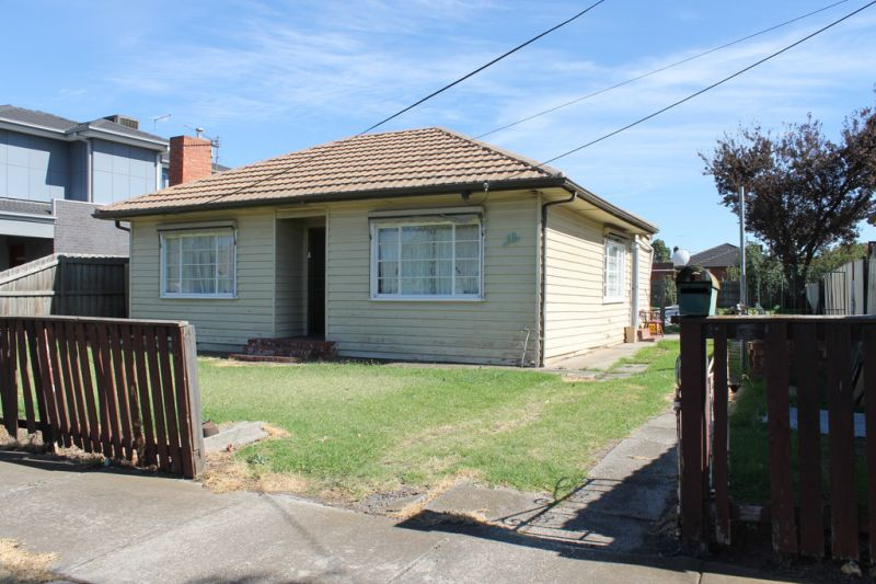 Ideally located great sized home!