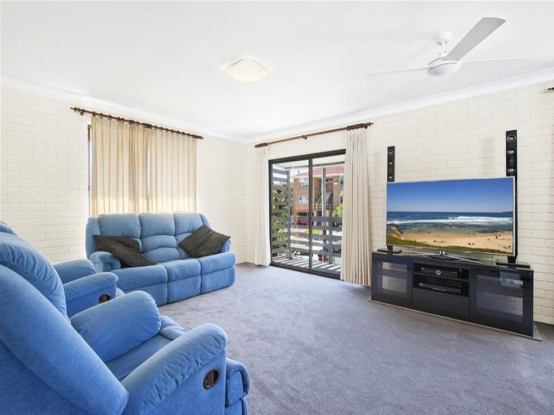 2/8 Mosbri Crescent, THE HILL