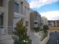 Almost New Luxury 2 bedroom Townhouse - Contemporary Design