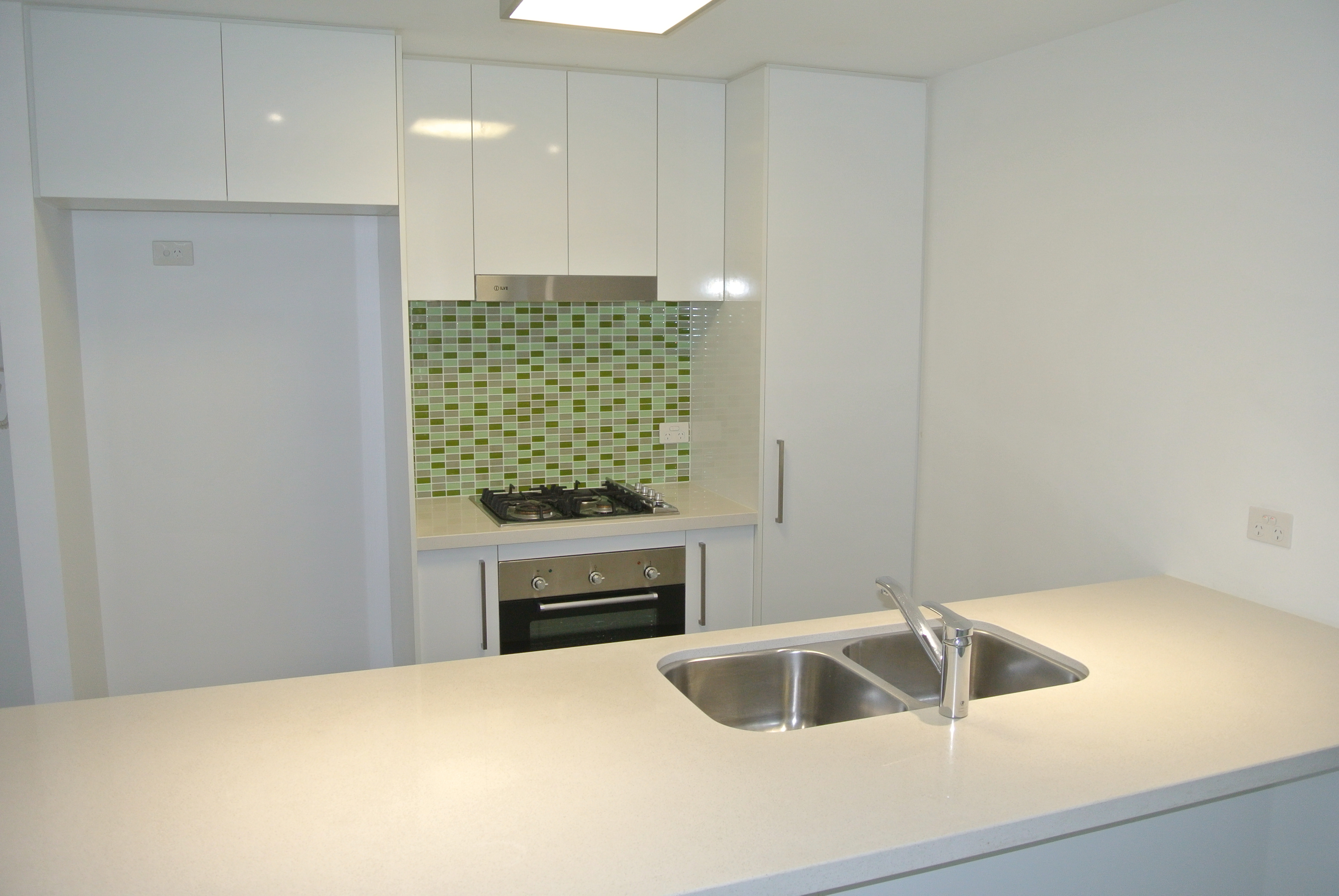 Luxurious and Modern 2 Bed, 2 Bath Apartment with 1 week rent free and 1 month free internet