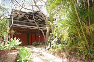 TROPICAL RESORT STYLE HOME WITH POOL AND GYM/YOGA ROOM + SAUNA