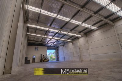 370 SQM - HIGH CLEARANCE WAREHOUSE + OFFICE
