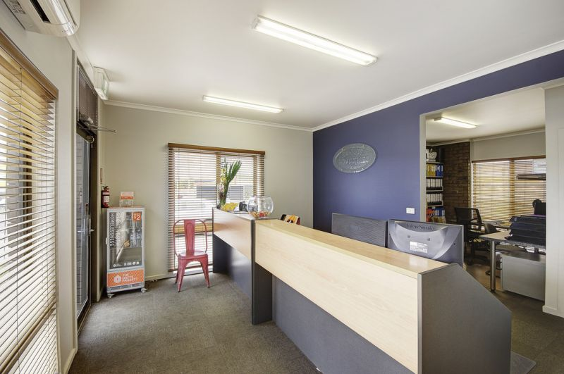 373-375 Thompson Road North Geelong