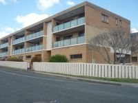 LIGHT & AIRY TWO BEDROOM UNIT - GREAT LOCATION!