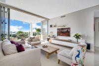 White Shells Luxury Apartment - Sophisticated Beachside Living
