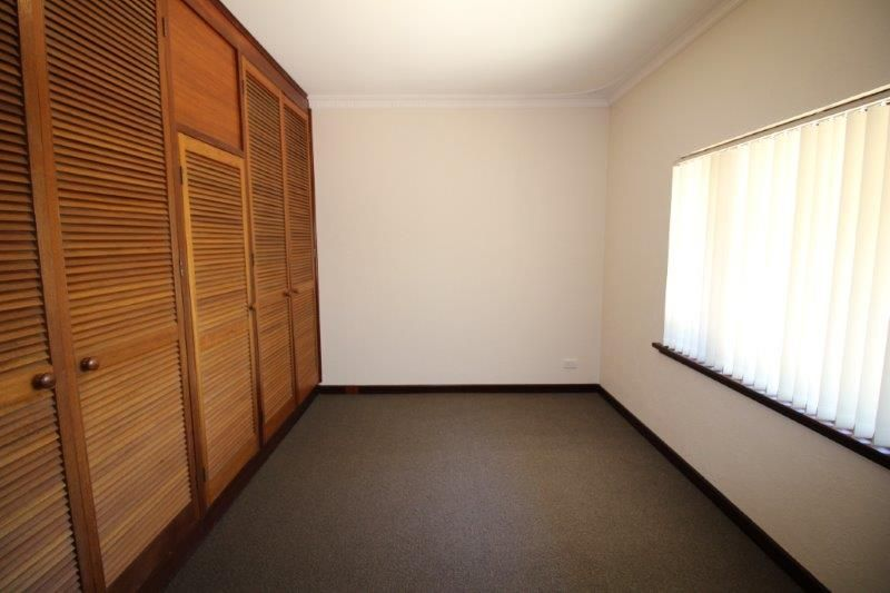 ALMOST NEW AGAIN - NEW PAINT, CARPETS, BLINDS & KITCHEN