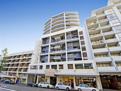 Spacious 1 Bedroom Apartment In The Heart of Bondi Junction