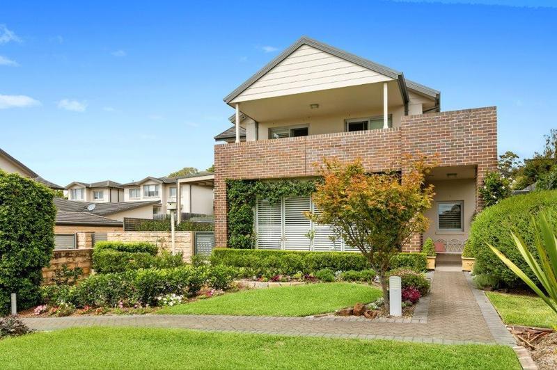 Spacious easy-care home with superb alfresco areas